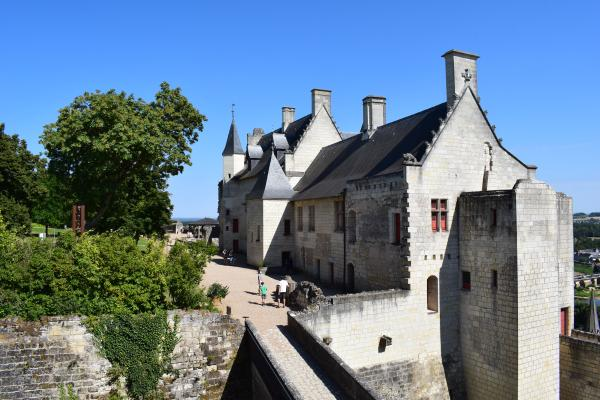 World Travelers La forteresse de Chinon